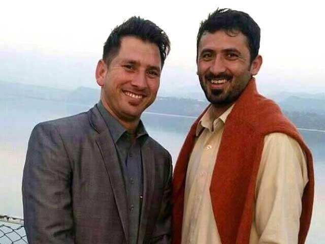 پاکستان نے دوسری تبدیلی کرتے ہوئے گردن کی تکلیف میں مبتلاحسن علی کو آرام دیتے ہوئے یاسر شاہ کو شامل کیا۔فوٹو : فائل