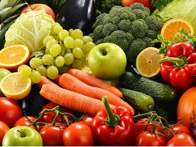 پھل اور سبزیوں سے دمے کا خطرہ اور خود دمے کی شدت کم ہوسکتی ہے (فوٹو: فائل)