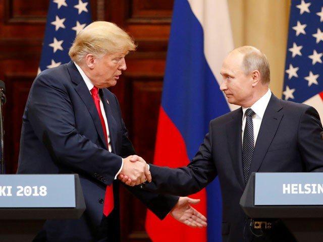 امریکی صدر کا رویہ شرمناک ہے، ملاقات افسوسناک غلطی تھی، سینیٹر مکین و دیگر، ڈونلڈ ٹرمپ نے تنقید مسترد کردی- فوٹو: رائٹرز